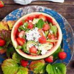 vesimeloni-mansikkasalaatti resepti