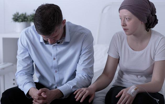 Pariskunta ja vaimolla syöpä