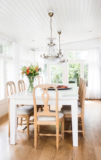 Hanna Sumari kertoo Kotiliedessä kodistaan.