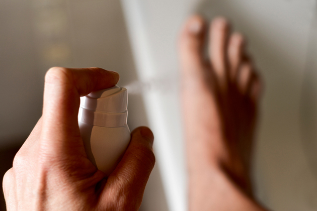 Jalkahiki on kiusallinen vaiva, josta moni kärsii.
