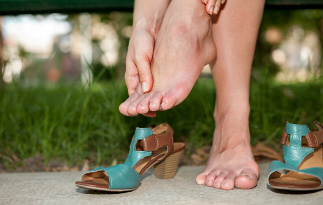 Kipeät jalat