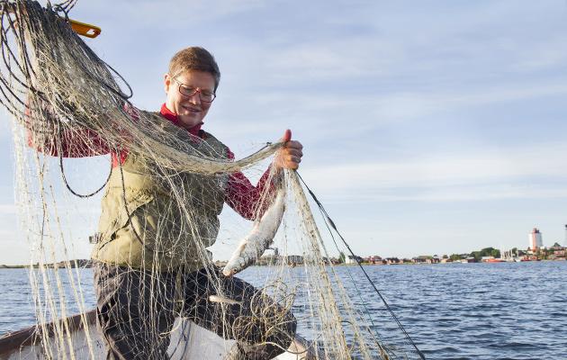Hanna Kovanen kalastamassa