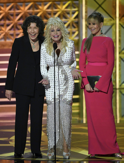 Lily Tomlin, Dolly Parton ja Jane Fonda Emmy-gaalassa.