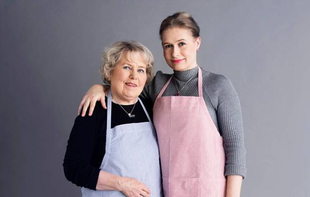 Inga Blåfield-Aaltonen ja hänen tyttärensä Kristiina Aaltonen
