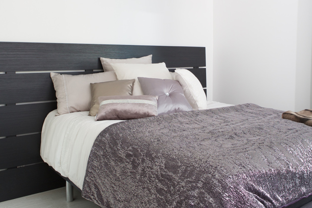 laudoista tehty sängynpääty