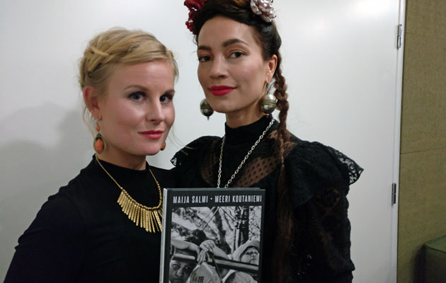 Toimittaja Maija Salmi ja valokuvaaja Meeri Koutaniemi.
