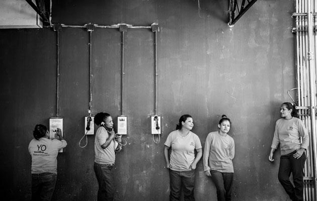 Ilopangon vankilan naisia. Valokuva Meeri Koutaniemi.