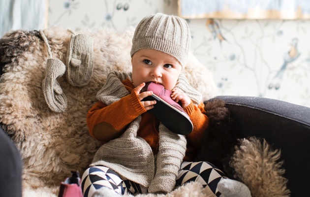 vauvan neulesetti