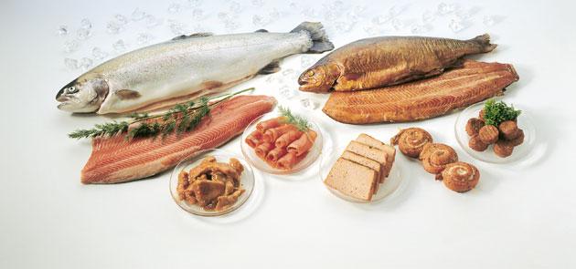 Kalaa voi lisätä ruokavalioon suosimalla erilaisia kalajalosteita.