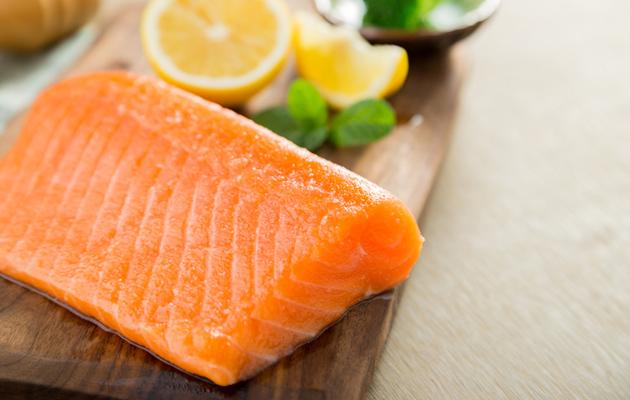 D-vitamiini kannattaa napsia ruoan lisäksi purkista.
