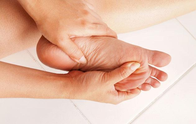 Jalkojen hoitaminen on tärkeää.
