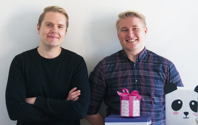 Kaikki paketissa -kirjan kirjoittaneet Jani Koskinen ja Aleksi Lindberg