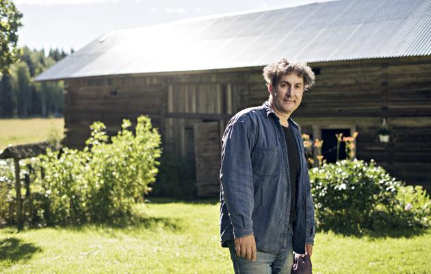 Osmo Rauhala on laajentanut Siuron tilaa sataan peltohehtaariin.