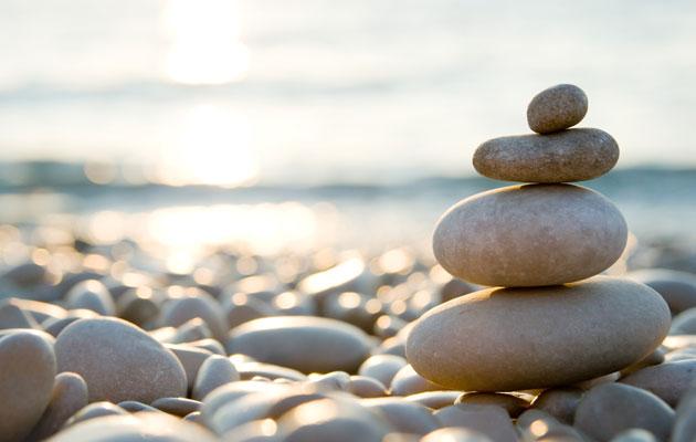 Kivet rannalla