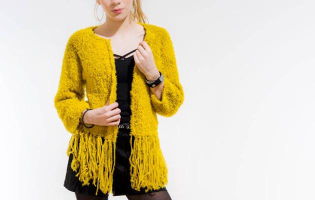 Kuva - Neulo hapsuhelmainen jakku naiselle pehmeästä villasta ja alpakasta