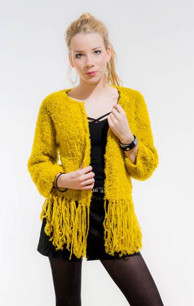 Hapsuhelmainen keltainen jakku