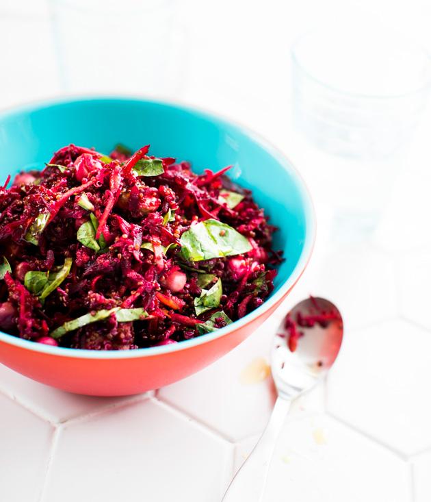 punajuuri-kvinoasalaatti