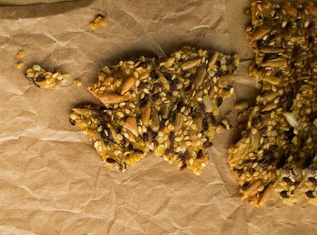 Tyrnillä maustettu saaristolaisleipä