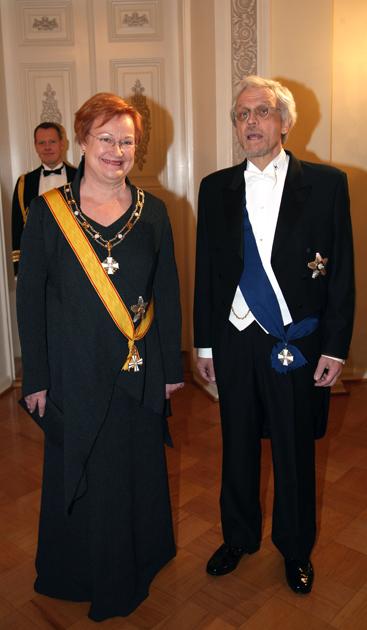 Tarja Halonen ja Pentti Arajärvi Linnan juhlissa 2008.
