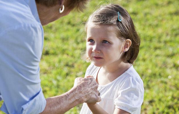 Isovanhemmat ovat lapselle tärkeät.