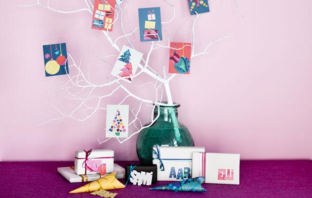 Rakenna joulukorteista joulupuu.