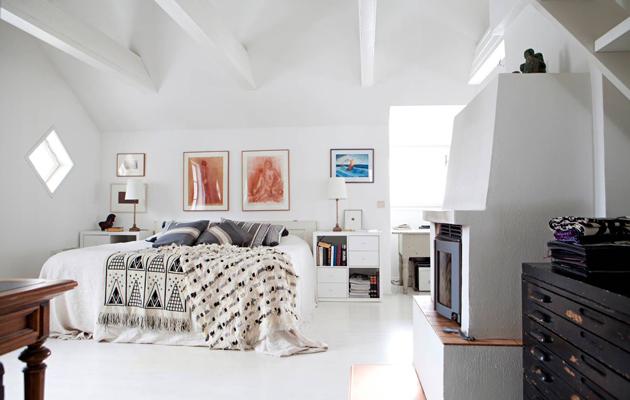 Sini ja Petri Honkalan makuuhuone sijaitsee talon yläkerrassa.