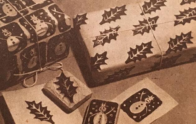 Perunaleimasimella kuvitettiin lahjapaketit.