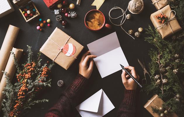 Joulun oikeinkirjoitusvinkeistä on hyötyä joulukortteja kirjoittaessa.