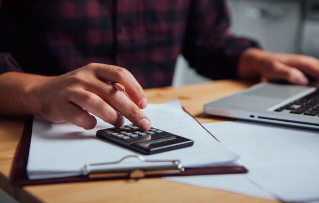 Talousarvion laskemista
