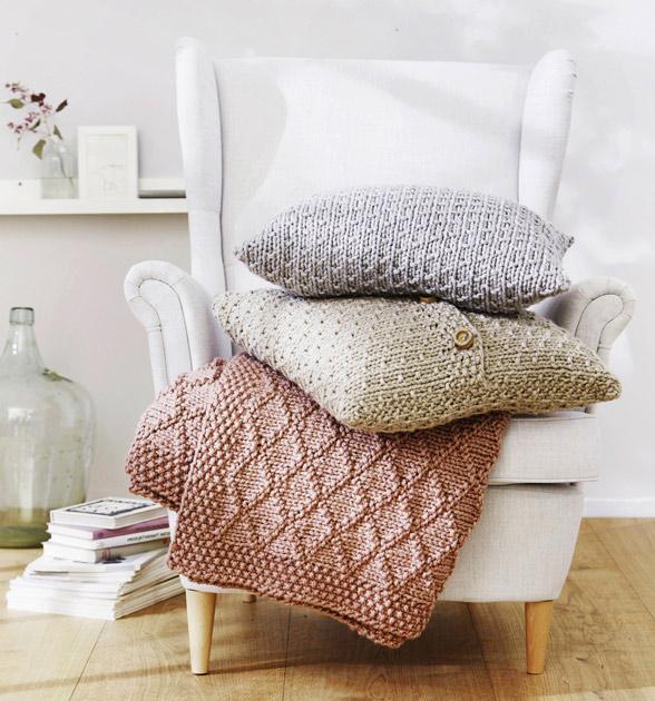 Tyynynpäällisten ja peiton ohje uudistuneessa Uudistunut Kotiliesi Käsityössä