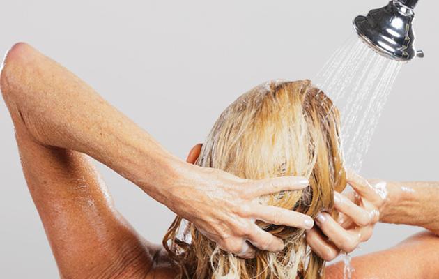 Suihkussa ei kannata tehdä kuutta virhettä, jos haluaa pitää ihon hyvässä kunnossa.