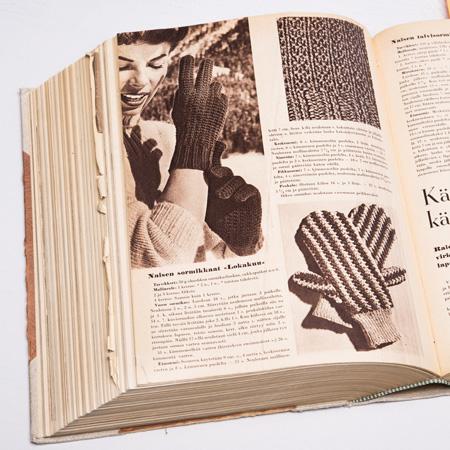 Virkatut lapaset lehdessä vuonna 1958.