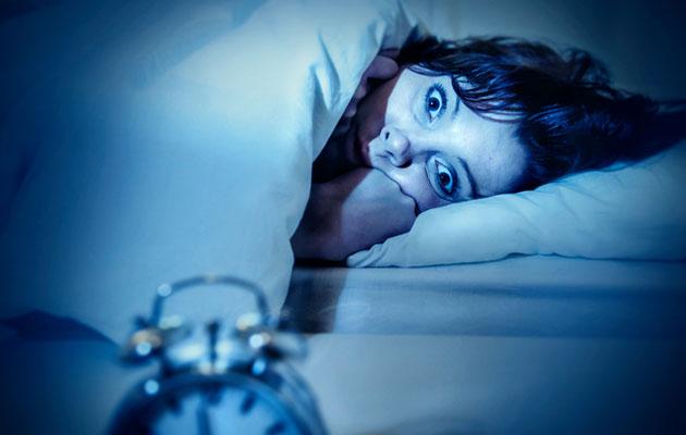 Nainen herää painajaiseen