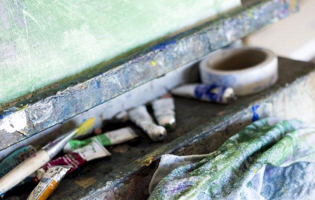 Laura Airaksisen maalausteline
