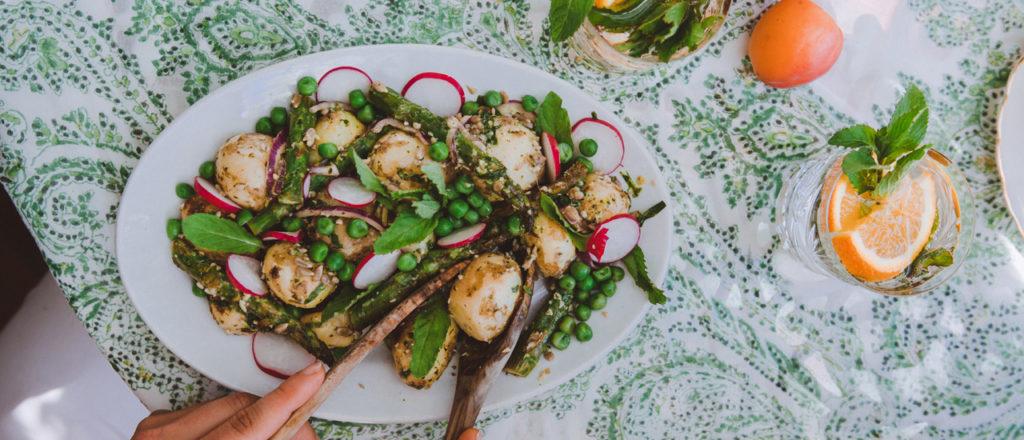 Minttu-pestoperunasalaatti on vappuohje.