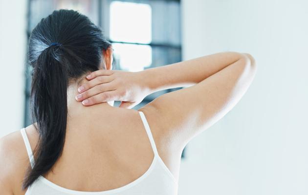 Huono nukkumisergonomia aiheuttaa niskakipua.