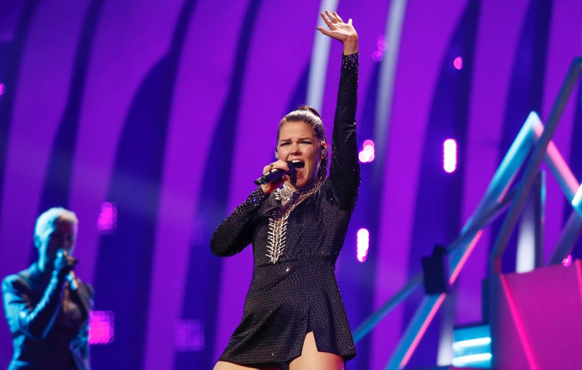 Saara Aalto laulaa Euroviisuissa