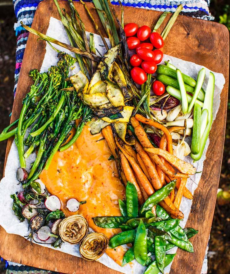 grillikasvikset ja gado gado -kastike