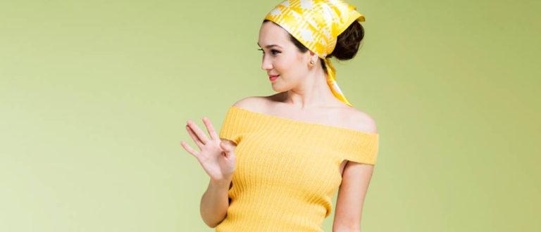 Keltainen toppi naiselle