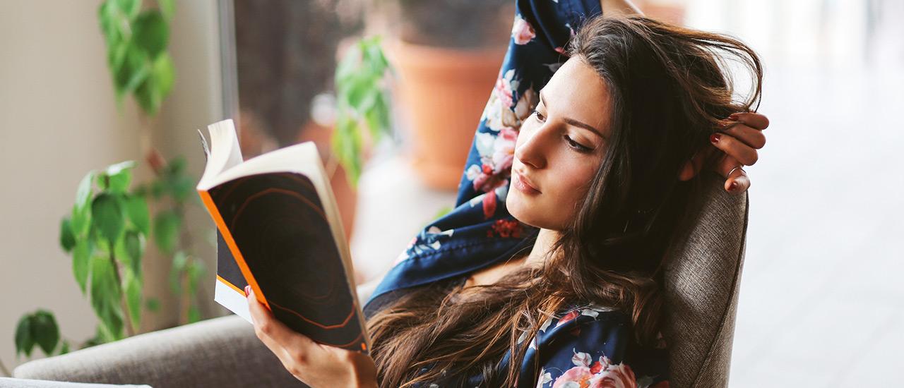 kirja kuljettaa maailmalle, kirjauutuudet, kirjallisuus, kirjat, lukeminen, kirjojen mukana maailmanympärimatkalle