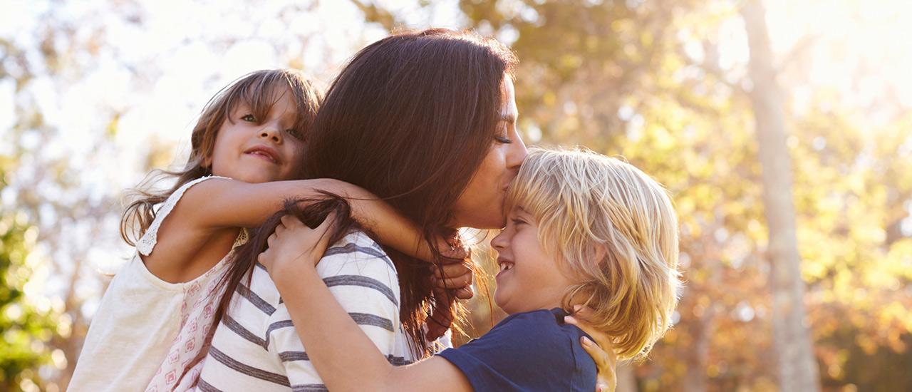 äidit oppivat lapsiltaan, lasten oppeja äideille, äitiys, vanhemmuus, äiti, itsemyötätunto, armollisuus