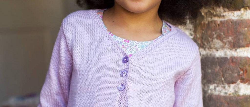 Violetti pitsihelmainen jakku lapselle