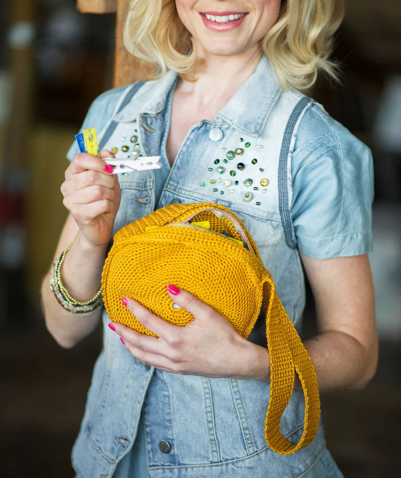 Keltainen Sahrami-pikkulaukku kesäksi