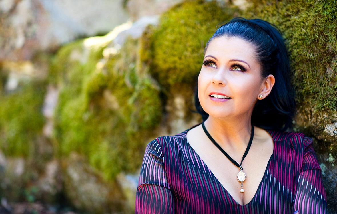 Sani, Saija Aartela, kartano, kartanon emäntä, 17 vuotta nuorempi mies, uusi rakkaus, alanvaihto