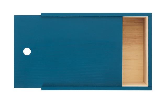 Säilytyslaatikon voi kiinnittää myös seinälle tai käyttää perinteiseen tapaan laatikkona.