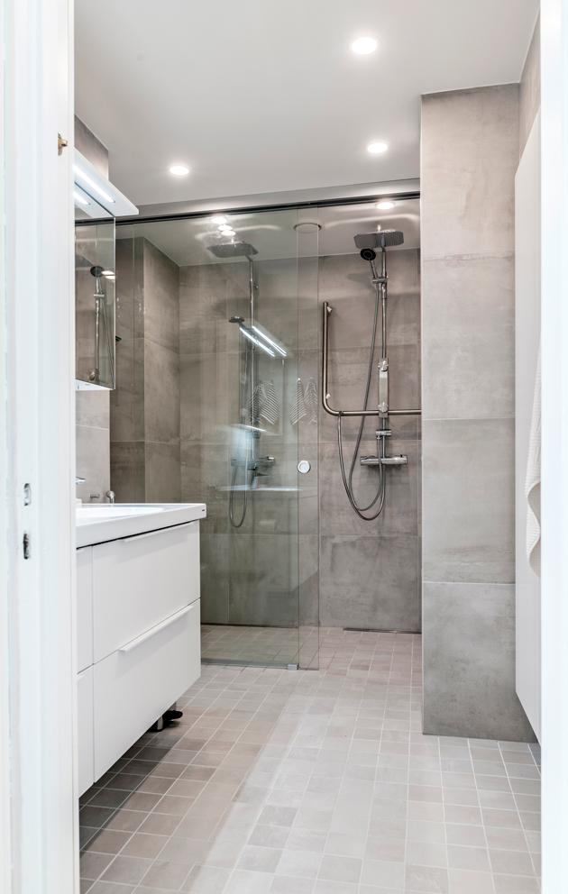 Kylpyhuonetta laajennettiin remontin yhteydessä.