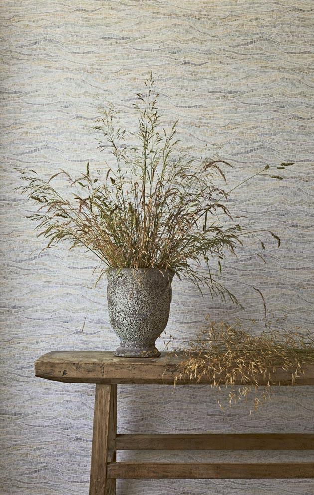 Maanläheiset värit ja kuosit ovat edelleen suosittuja pintamateriaaleissa.