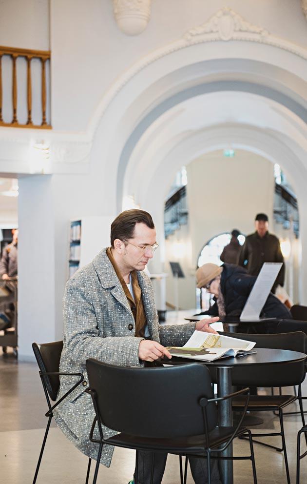 Jarkon ja Antin kotoa on vain kivenheitto Kallion kirjastoon.