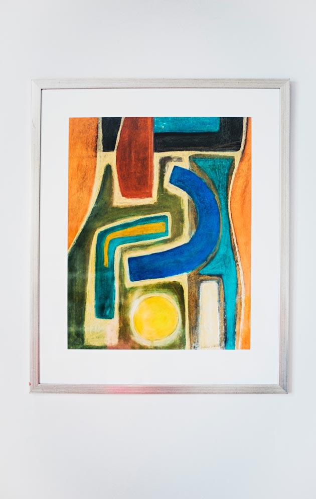 Kodissa on paljon Jarkon suunnittelemia esineitä. Eteisen teos on hänen opiskeluaikainen väri- ja sommittelututkielmansa.