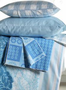 Kuva - Pölypunkit pois tekstiileistä